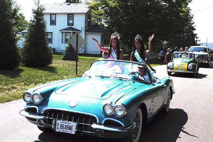 Parade4 OQueen 23 240